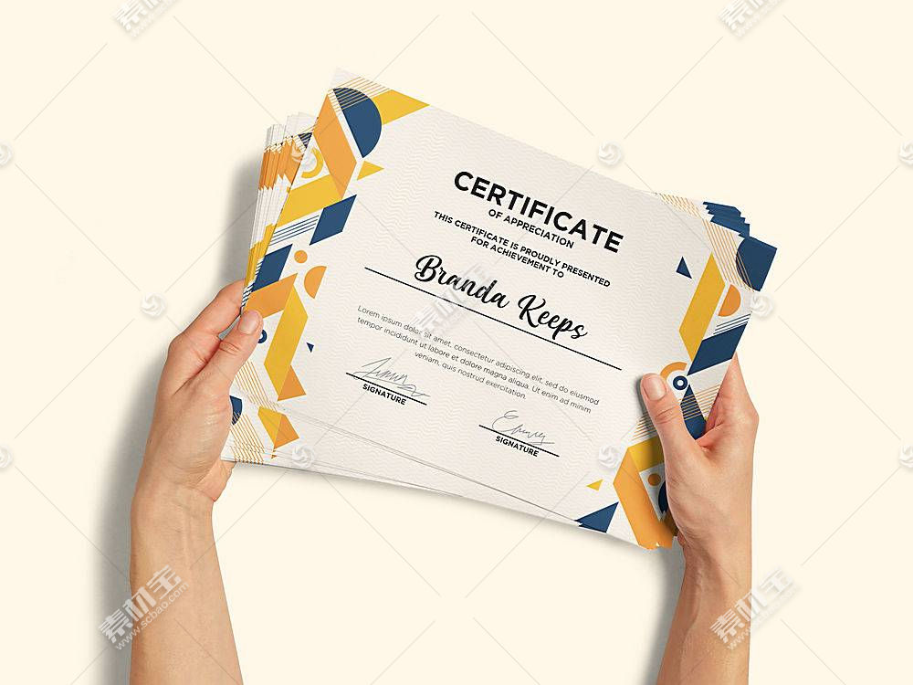 手持授权书证书样机展示