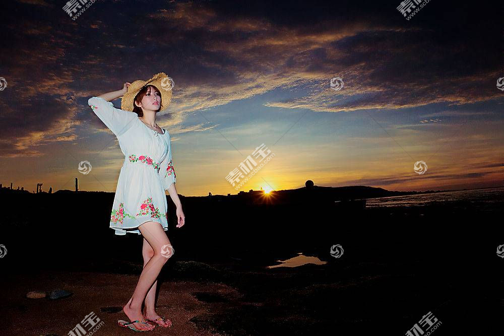年轻的时尚美女高清摄影图片
