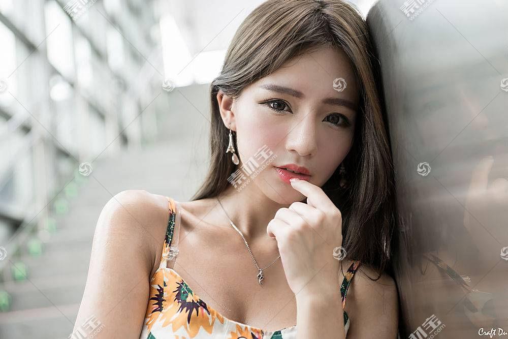 年轻文艺气质女性高清图片素材