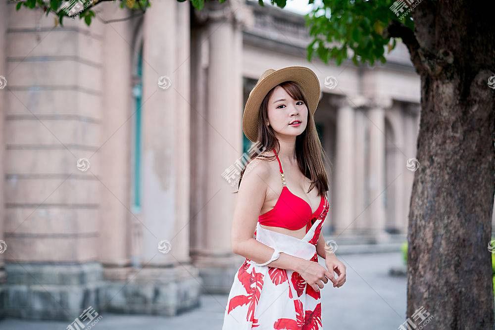 时尚现代美女高清壁纸图片
