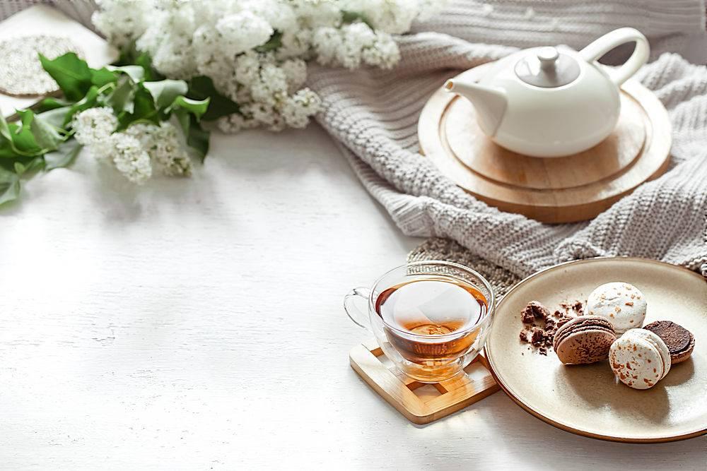 温馨的春天构图有一杯茶一个茶壶法式_1156715401
