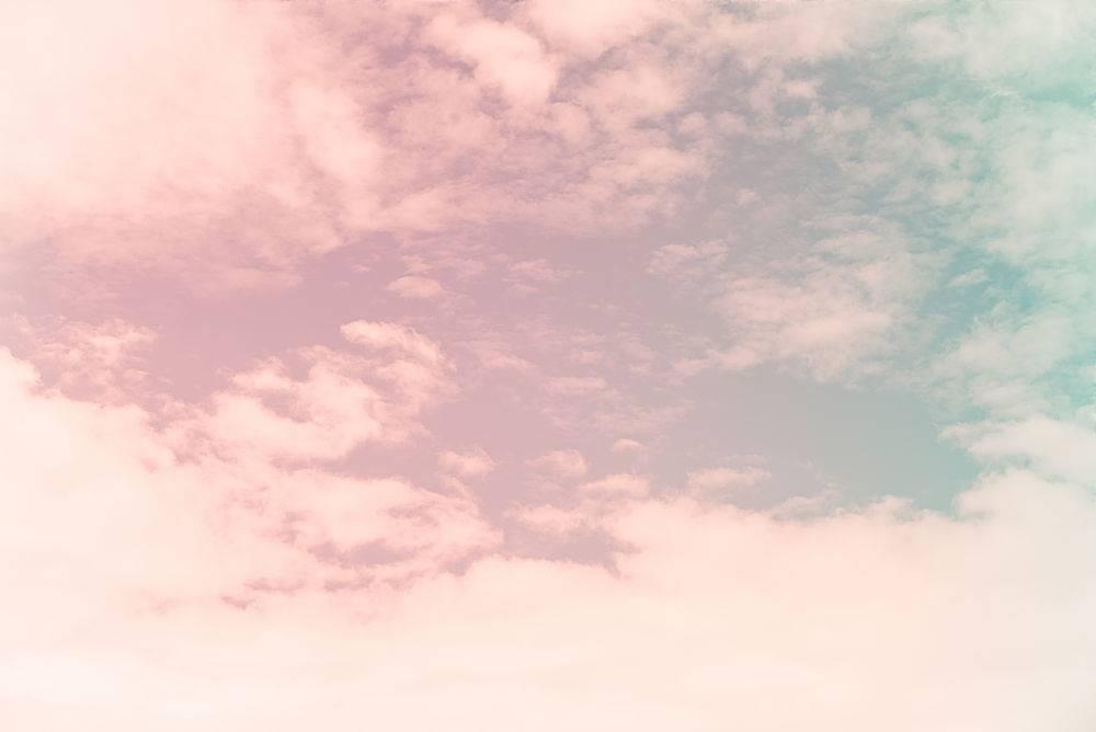 蓝天云彩为背景复古效果风格图片_138293101