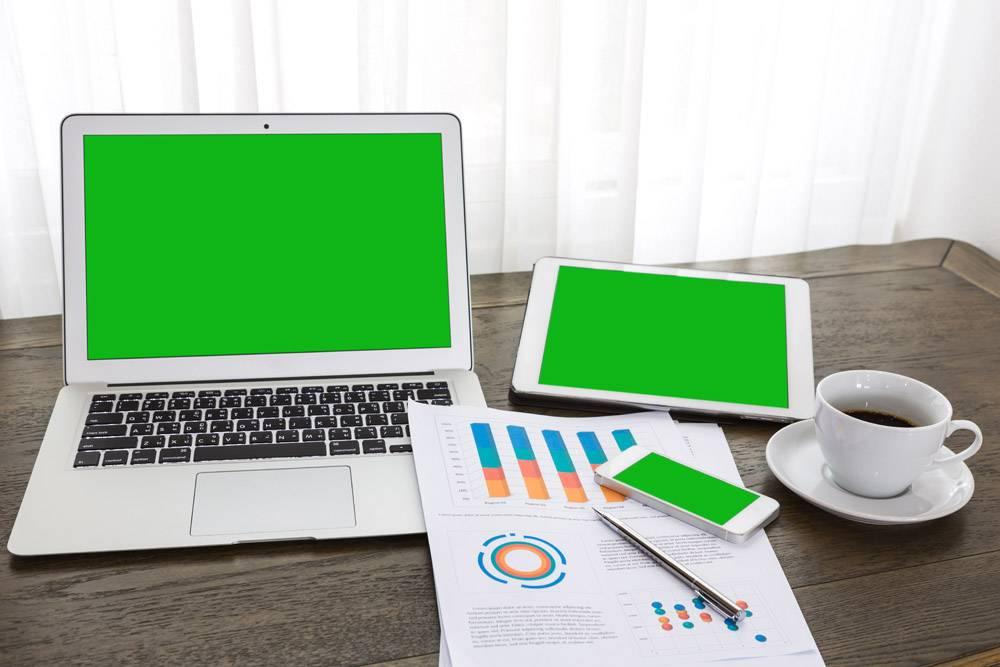 带绿色屏幕的笔记本电脑平板电脑和移动设_992532