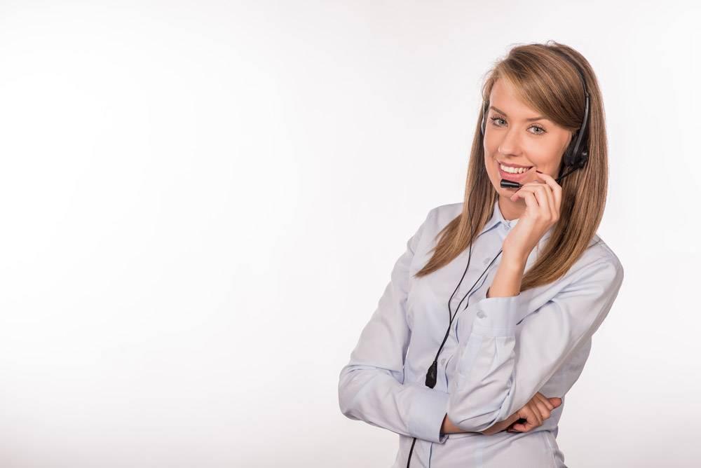 女客服人员面带微笑的话务员头戴电话头_1162623