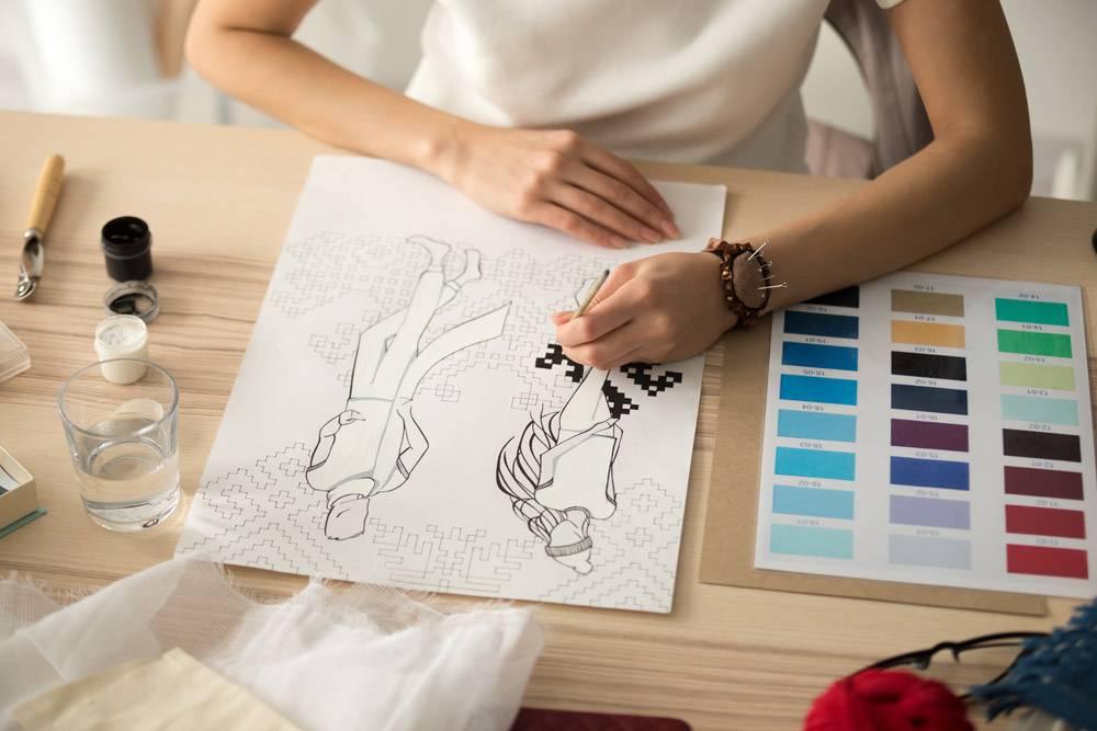 女设计师手绘服装素描刺绣图案方案_3938373