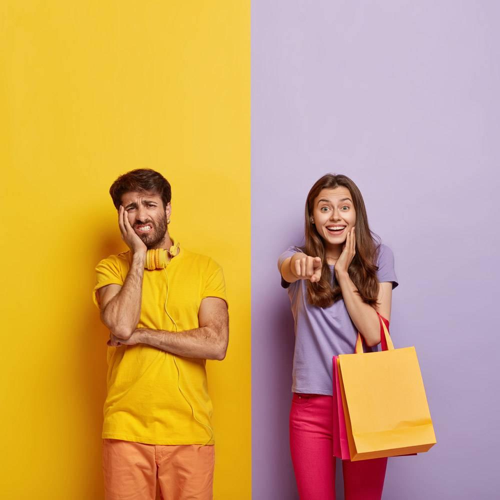 购物消费主义销售理念积极的女性购物_11633878
