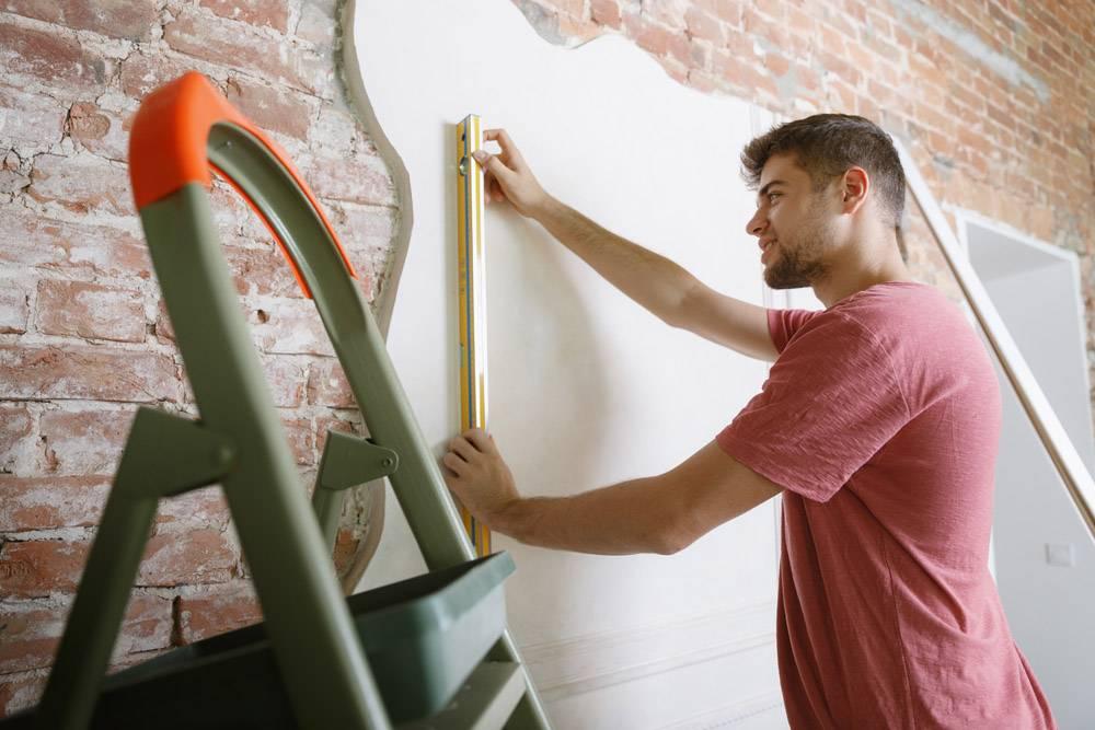 准备自己做公寓修缮的年轻人在家居改建或_13457366