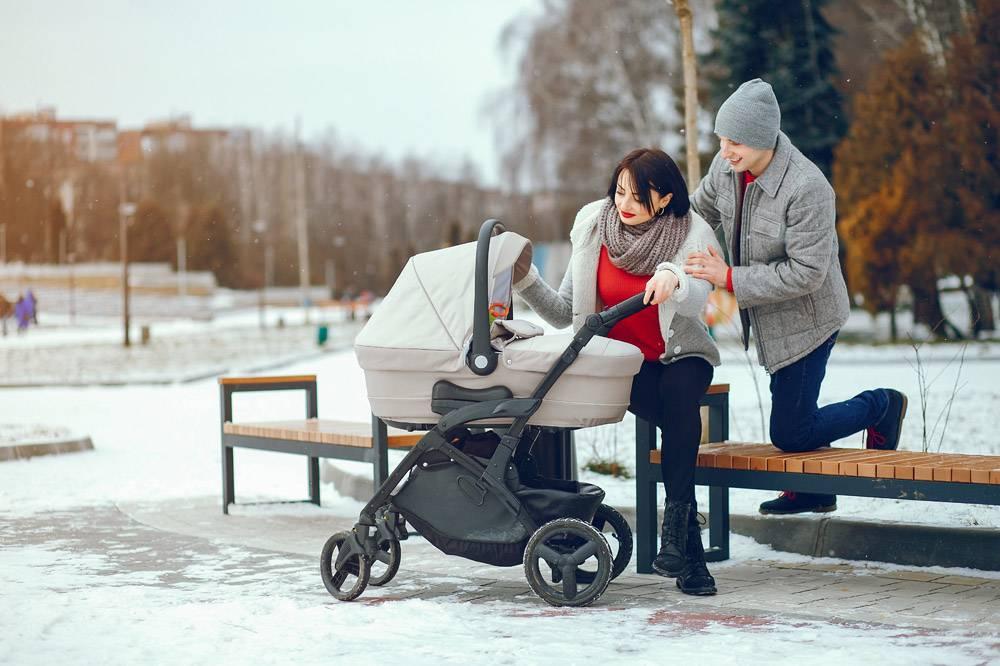 冬日家庭_3179119
