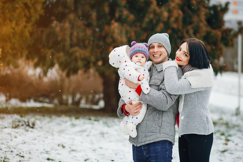 冬日家庭_3179137
