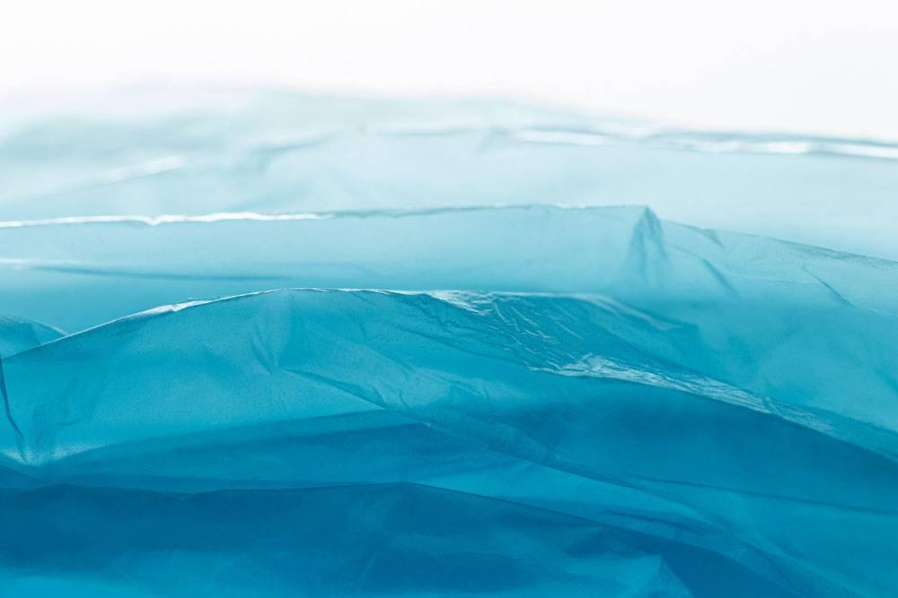 蓝色塑料袋顶视图布置_12182635