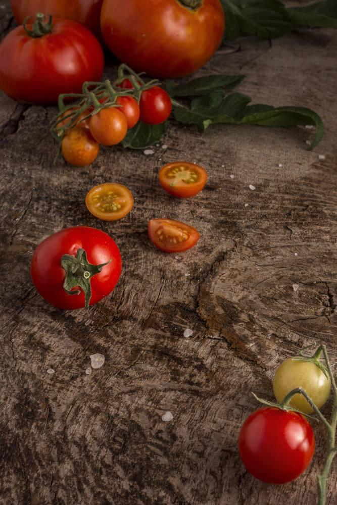 高角度美味新鲜的西红柿_10109038